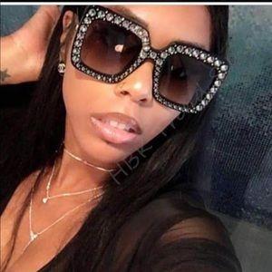 Luxury oversized rhinestone fashion sunglasses